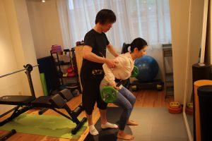 背中引きしめトレーニング
