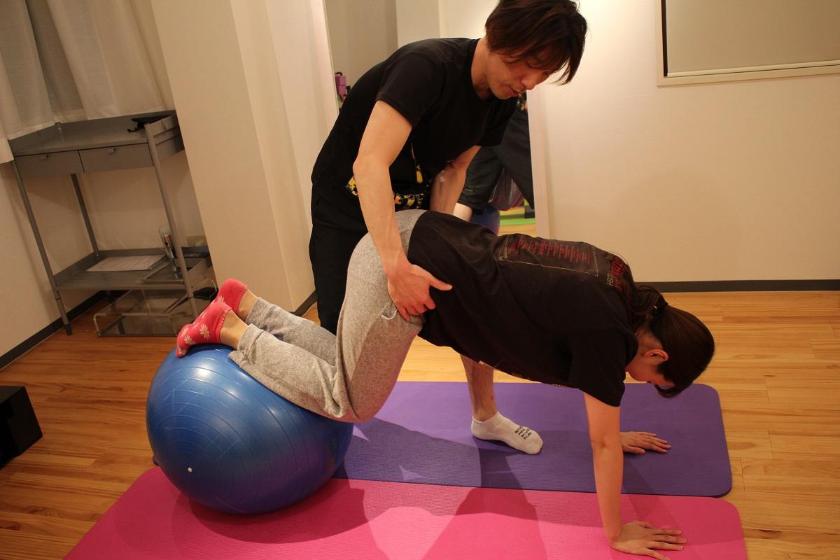 腹筋を鍛えるトレーニング